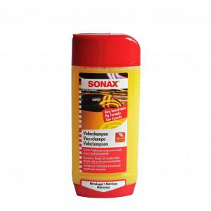 Autoshampoo SONAX Carnauba Wash & Wax, 500 ml